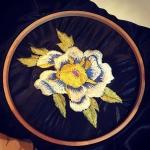 花らしきもの。。。難しい。#刺繍 #和柄 #花の練習 #牡丹 #peony #embroidery