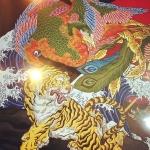 背景追加。#phoenix #japanesephoenix #鳳凰 #dragon#tigeranddragon #龍 #龍虎#竜 #竜虎 #tiger #虎 #唐獅子 #karajishi #lion #japaneselion #和柄#japanesetraditional #和風 #japanesestyle #刺繍#embroidery #tattoo #刺青