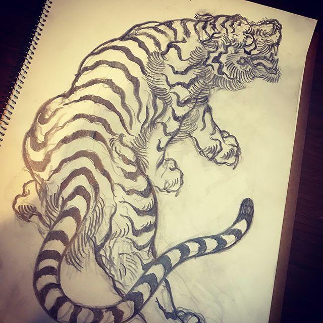 #tiger #虎 #japaneselion #dragon #tigeranddragon #龍 #龍虎#竜 #竜虎 #和柄#japanesetraditional #和風 #japanesestyle #刺繍 #embroidery #tattoo #刺青 #パス #パス化 #vector  #vectorart #鉛筆画 #鉛筆 #ラフ
