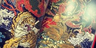 ILLUSTRATION「Monster」の発売日が3月30日(金) に決定!先日、発売よりも先に見本誌が手元に届きました。amazonで予約受付中です。https://www.amazon.co.jp/dp/4862493025/#illustrator #イラストレーター #phoenix #japanesephoenix #鳳凰 #dragon#tigeranddragon #龍 #龍虎#竜 #竜虎 #tiger #虎 #唐獅子 #karajishi #lion #japaneselion #和柄#japanesetraditional #和風 #japanesestyle #刺繍 #embroidery #tattoo #刺青
